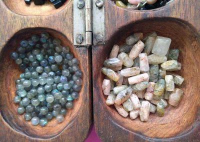 Pierres naturelles utilisées par la créations de bijoux ethniques
